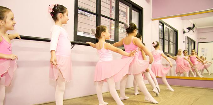 Studio de Danças Marcia Pee - Ballet Infantil